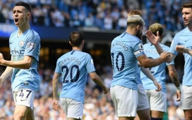 Manchester City vence o Tottenham e retoma a ponta do Campeonato Inglês