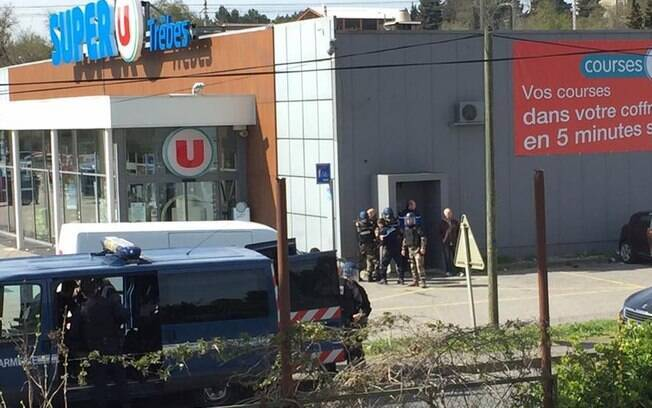 Mercado 'Super U' no sul da França sofre possível ataque do grupo terrorista Estado Islâmico