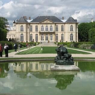 O jardim de esculturas do Museu Rodin pede uma pausa