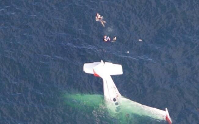 David Lesh publicou a foto do momento em que o avião caiu no oceano