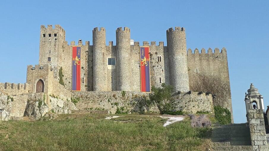 O castelo de Óbidos foi construído entre os séculos 12 e 13