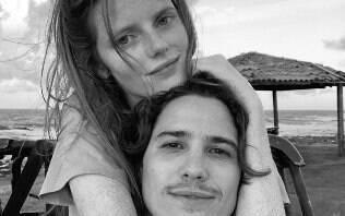 Assumiram o namoro? Modelo argentina se declara para Rômulo Arantes Neto
