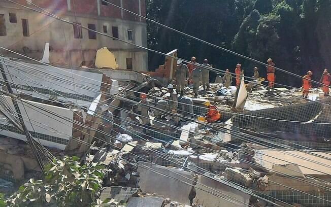 Prédios que desabaram no Rio de Janeiro eram irregulares e estavam interditados