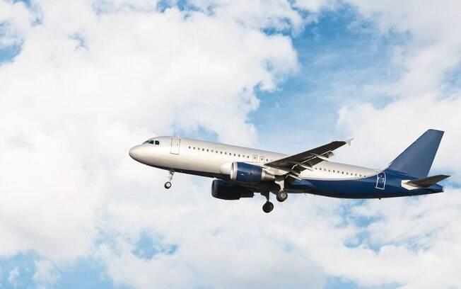 Turbulência geralmente são comuns em dias nublados ou com nuvens, mas também acontecer em viagens com céu limpo