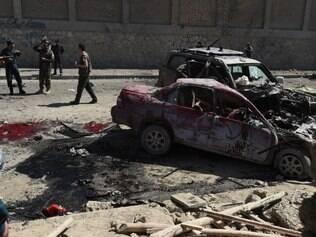 Atentado suicida deixa três mortos em Cabul, no Afeganistão