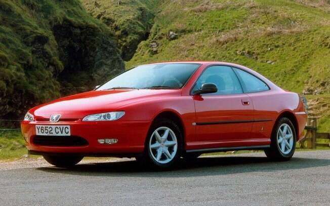 Peugeot 406 Coupé o belo cupê chegou a ter poucas unidades importadas para o Brasil e também está isento de IPVA