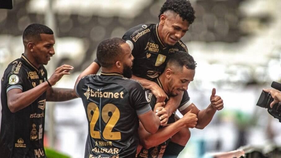 Ceará venceu o Palmeiras por 2 a 1
