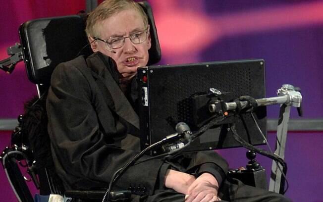 Considerado gênio da física, Stephen Hawking fez 75 anos de idade no último domingo, dia 8 de janeiro