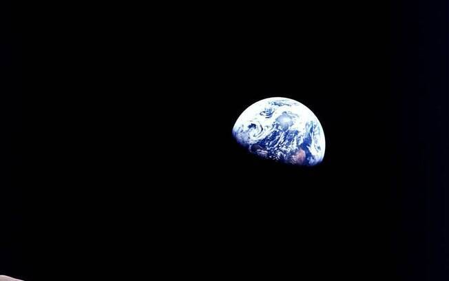 A coleção se chama Viagem para Outro Mundo, e conta com momentos simbólicos da história da corrida espacial