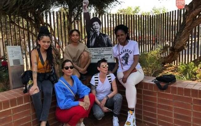 Famosas vão até continente africano seguir os passos de Nelson Mandela para falar da importância da cultura negra