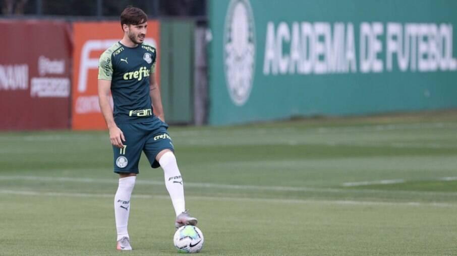 Viña é pré-convocado pelo Uruguai