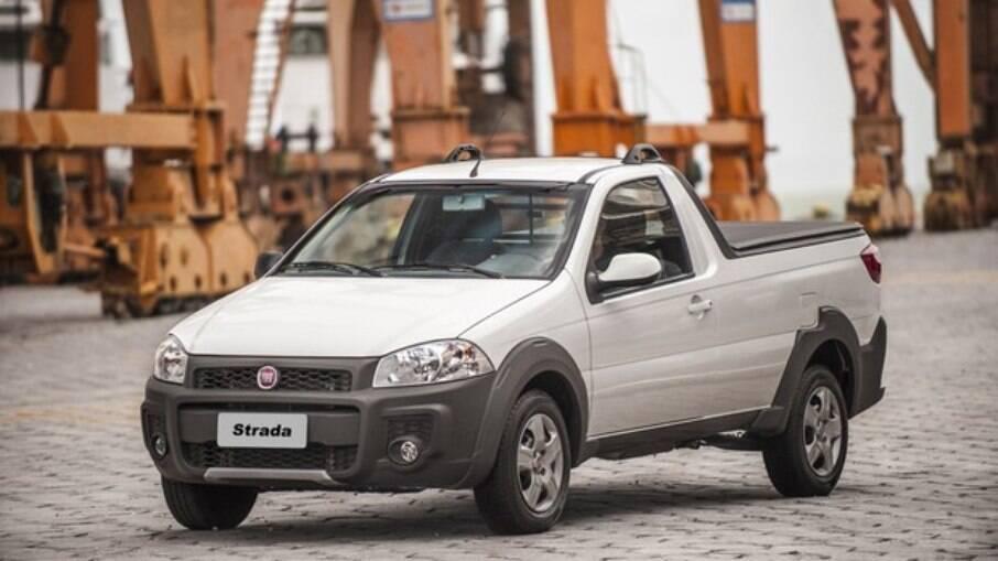 Com 1.220 litros de capacidade na caçamba, Fiat Strada é ideal para o trabalho. Mas acaba de sair de linha