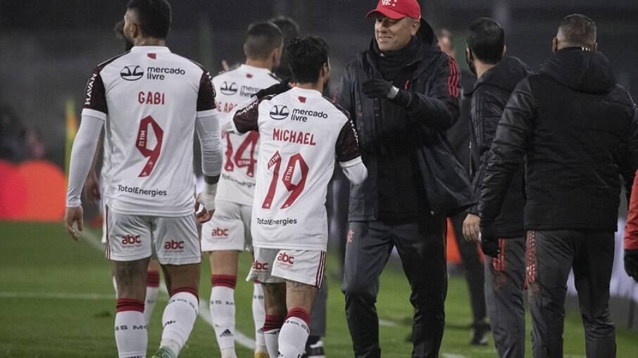 Defensa é derrotado pelo Flamengo em casa
