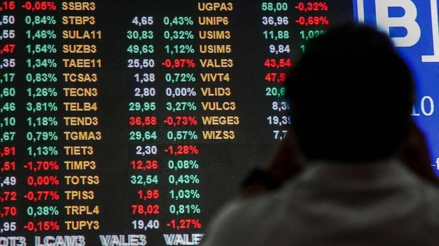Ibovespa caiu mais de 3% nesta terça-feira e se aproxima dos 110 mil pontos
