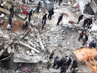 Caos.  A Síria enfrenta uma guerra civil que já matou 210 mil pessoas e deixou o país vulnerável ao EI