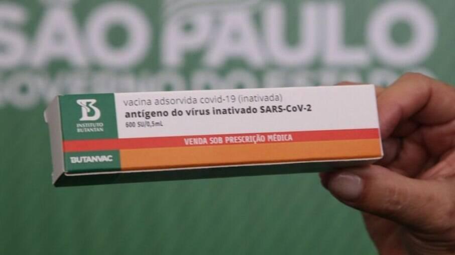 O projeto do governo paulista é fabricar e armazenar 18 milhões de doses até a primeira quinzena de julho