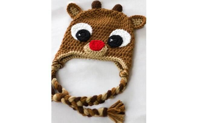 O Bambi é um personagem divertido para a touquinha da criança. Foto   Pinterest  28d30aea41f