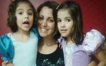 """Duas vezes mãe na adolescência: """"Até hoje sofro preconceito"""""""