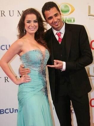 Rayanne Morais e Latino: casamento em um ano