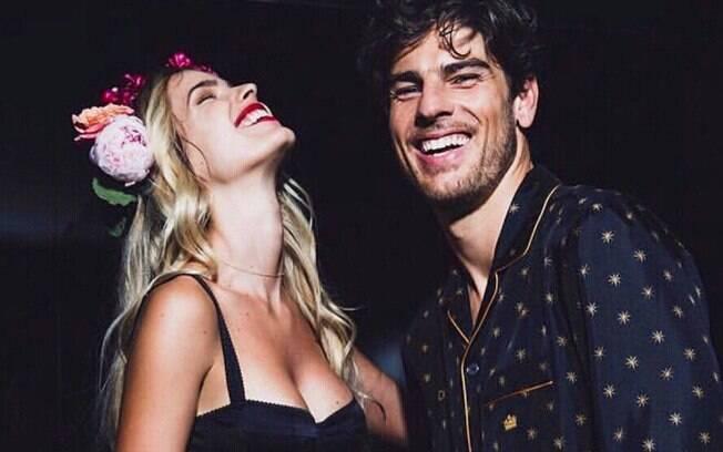 Yasmin Brunet e o marido Evandro Soldati estão juntos há mais de 10 anos e estrelam campanhas de moda juntos