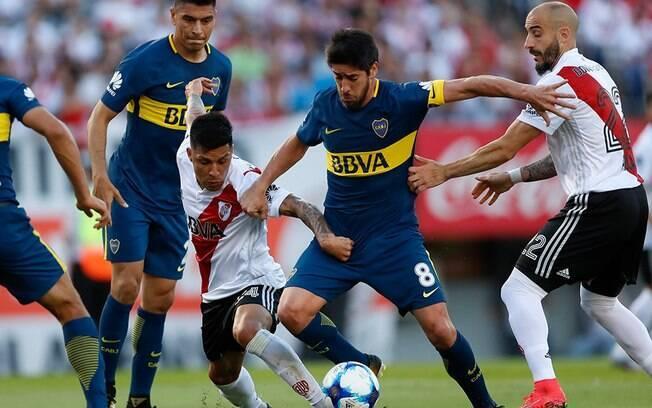 Boca Juniors e River Plate empataram em 2 a 2 na primeira partida da final
