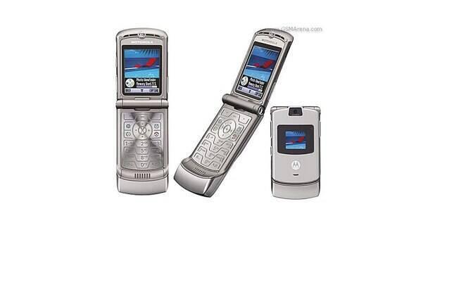O Razr V3 entrou na lista de celulares mais vendidos da história após conseguir a impressionante marca de 130 milhões de unidades vendidas.