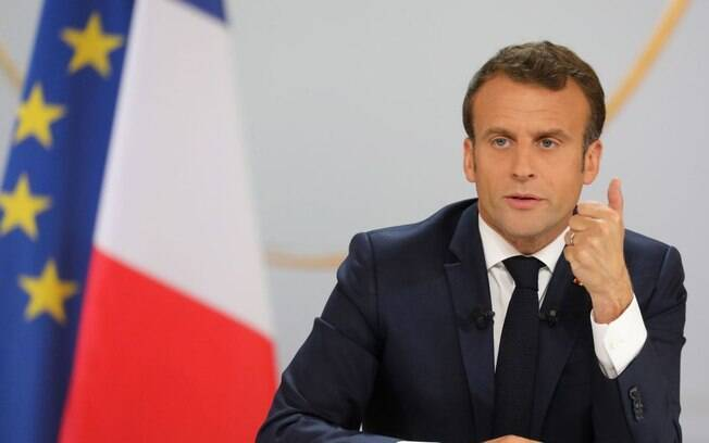 Após protestos dos coletes amarelos, Macron promete cortar impostos e reformar serviço público