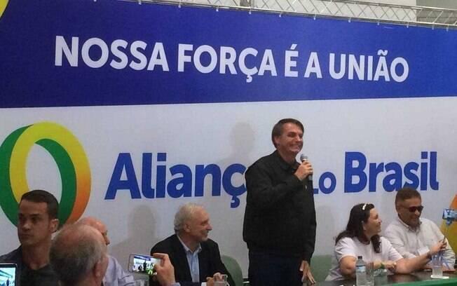 Um ano após lançamento, Aliança pelo Brasil está longe de chegar ao número mínimo de assinaturas para virar um partido