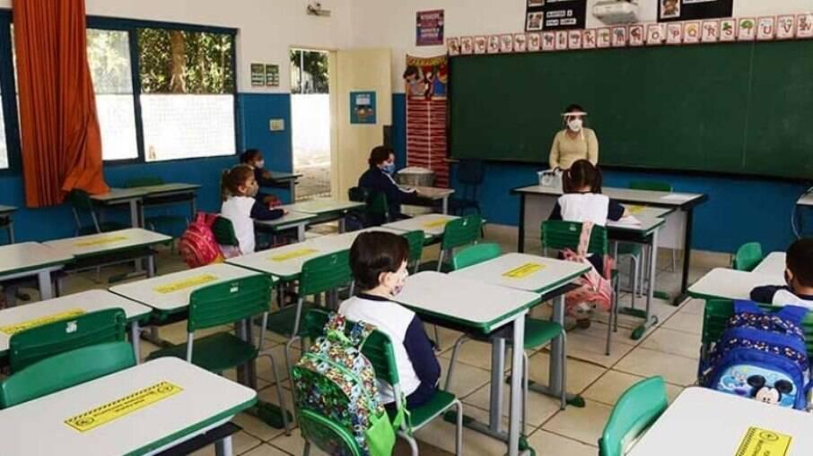 Distanciamento entre alunos será de 1 metro em Campinas.
