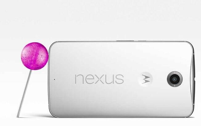 O Nexus 6 roda a mais recente versão do Android, o Android Lollipop, lançado oficialmente em 15 de outubro