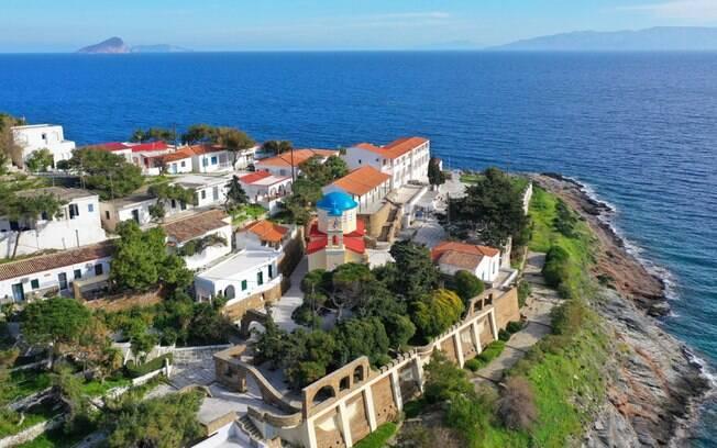 A discreta ilha de Kythnos oferece um belo cenário e muita tranquilidade aos seus visitantes
