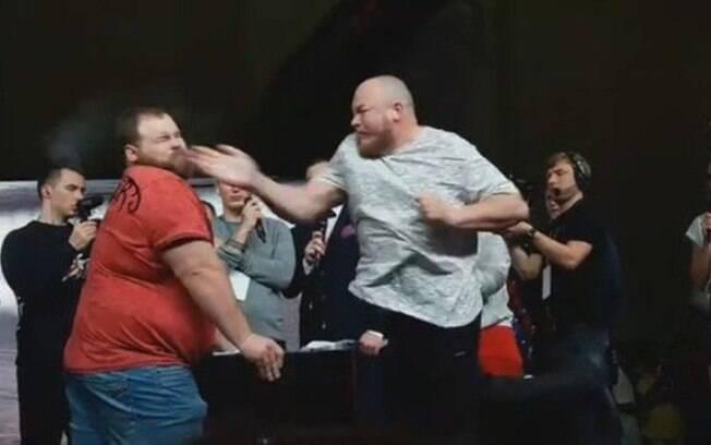 Campeão mundial de tapa na cara foi derrotado pela primeira vez