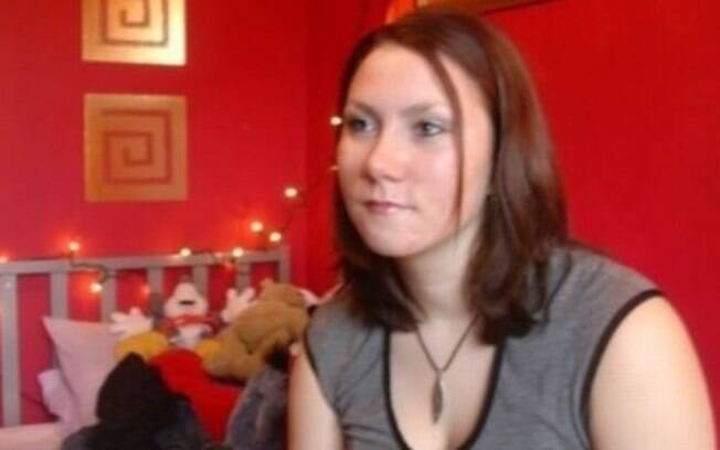 Rebecca Lacey será afastada por pelo menos dois anos após ter se aproximado de aluno