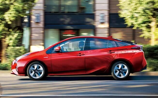 Toyota Prius: diferença de preço dos modelos híbridos para os movidos apenas a motor a combustão está caindo