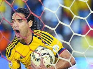 Dúvida. Garcia diz que fará o possível para disputar a Copa, mas, segundo jornal, corte do atacante já foi definido
