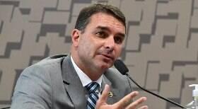 Senador Flávio Bolsonaro sofre acidente no Ceará e é atendido em hospital