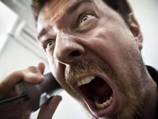 Saber que o outro está com problemas ameniza a reação diante da agressividade