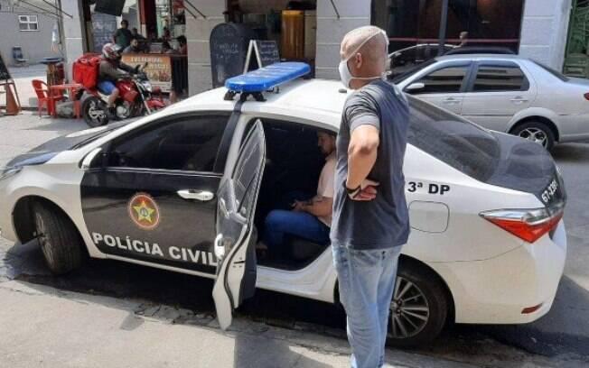 Médico foi preso pela polícia