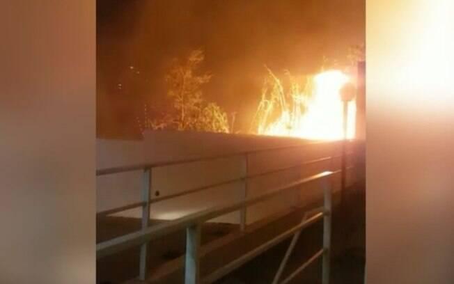 Incêndio em área de mata assusta moradores em Valinhos
