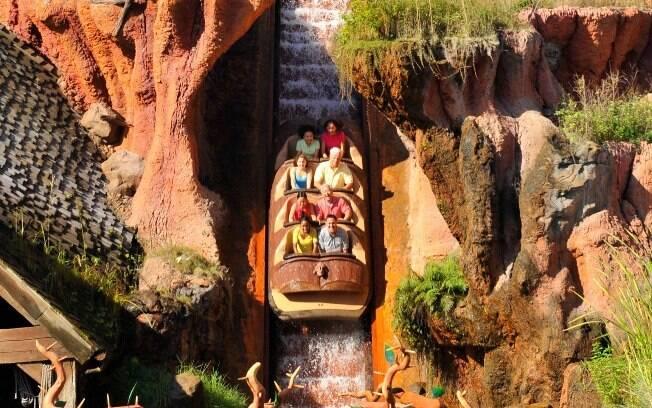 Entre as atrações da Disney, o Splash Mountain é um passeio recheado de surpresas; confira