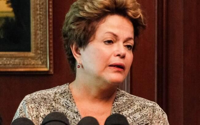 Presidenta Dilma Rousseff se emociona em pronunciamento sobre incêndio em boate em Santa Maria