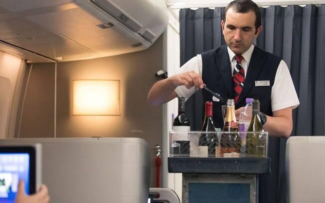 Anac recomendou suspensão dos serviços de bordo em todos os voos saindo do Brasil