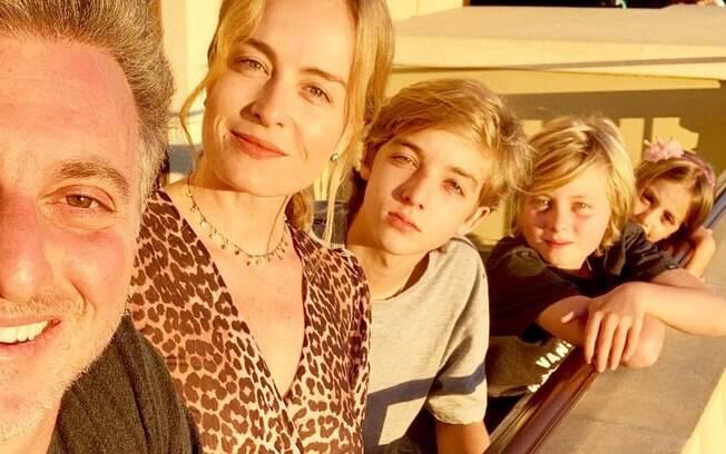 Angélica, Luciano Huck e sua família