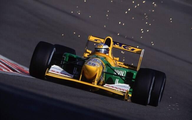 Em 1992, o alemão conquistou sua primeira vitória na categoria com a Benetton na Bélgica. Foto: Getty Images