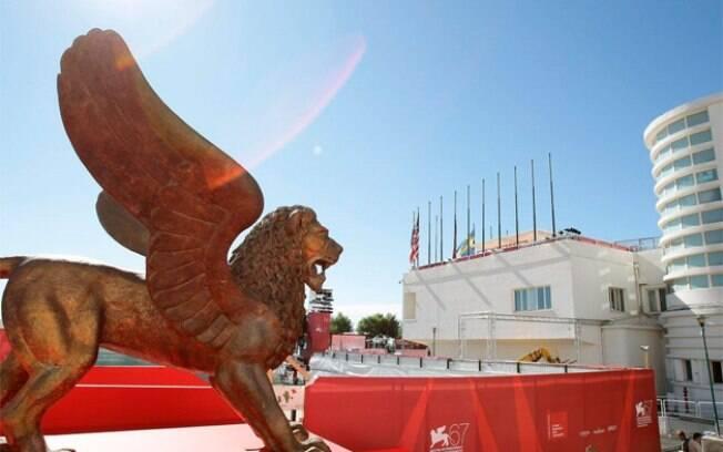 O Festival de Veneza é organizado pela Bienal de Veneza, consiste em 20 filmes competindo pelo disputado leão de ouro