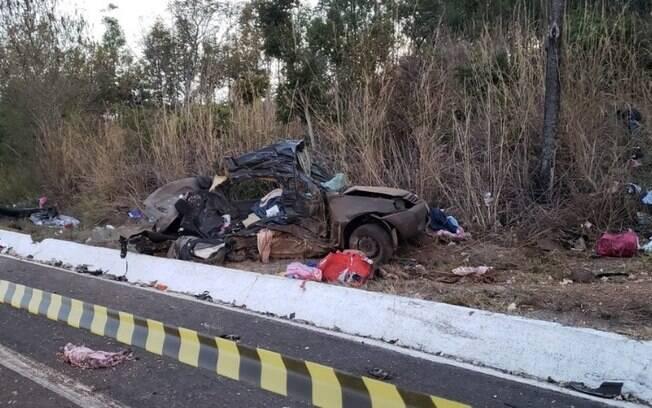 Família de mudança de Campinas para Bahia morre em acidente em MG