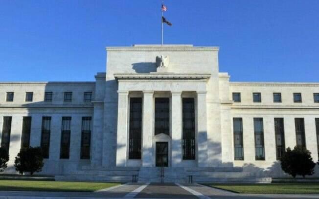 O fato de o FED ter mencionado taxa de juros negativa como opção é sinal de que banco não considera retomada da economia dos EUA segura