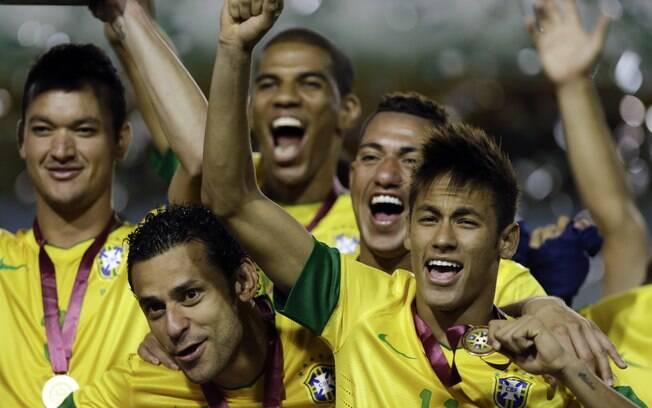 Seleção comemora bicampeonato do  Superclássico após vitória nos pênaltis