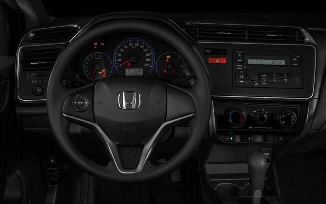 No painel do Honda City LX vem apenas um sistema de som simples, que não é central multimídia
