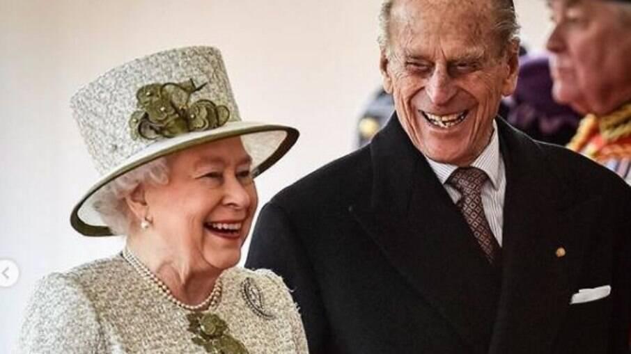 Príncipe Philip morre após 80 anos de relacionamento com a Rainha Elizabeth